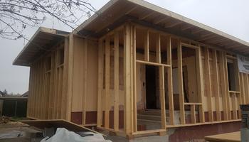 vorgesetzte Holzriegelkonstruktion