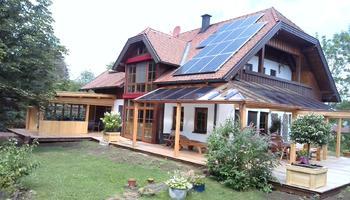 Terrassenüberdachung mit Photovoltaik